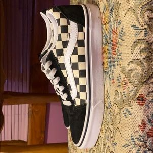 black and white old school/checkered vans